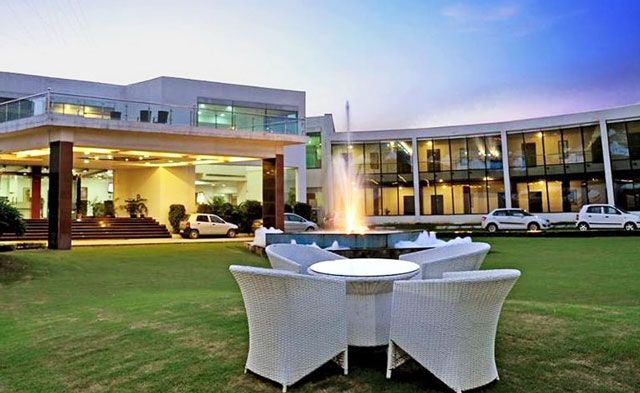 The Awesome Farms & Resorts in Faridabad
