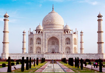Taj And Ganges Tour