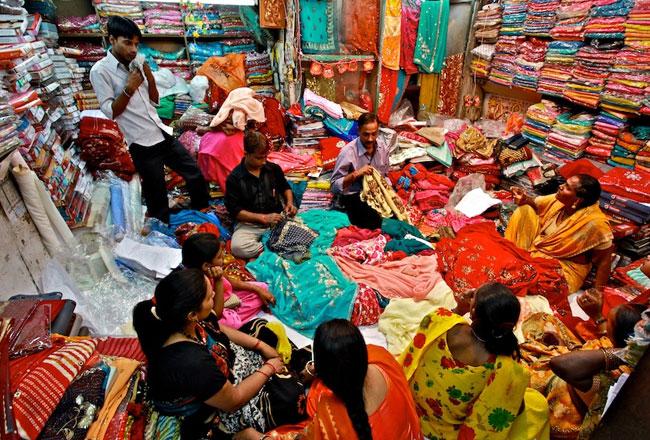 Cosmetic items wholesale market in mumbai