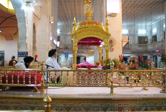 Photo Gallery Of Gurdwara Bangla Sahib In Delhi Explore