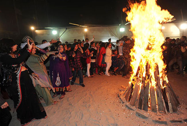 lohri festival essay Lohri festival marks the culmination of winter the main theme of lohri is the belief that lohri is the cultural celebration of the winter solstice on this festival people gather around the bonfires, throw sweets, puffed rice and popcorn into the flames, sing popular songs and exchange greetings.