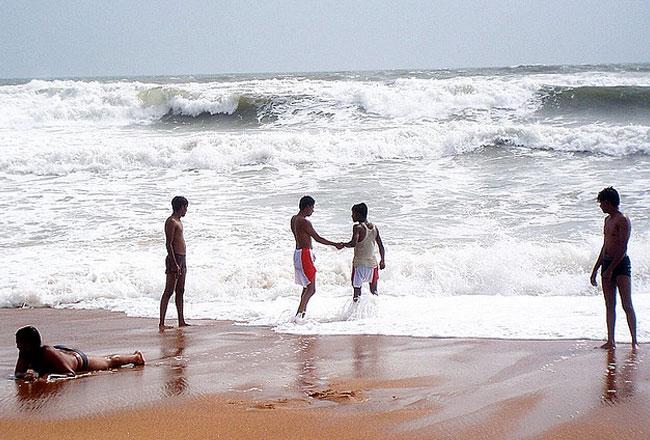 Photo Gallery of Calangute Beach Goa- Explore Calangute ...