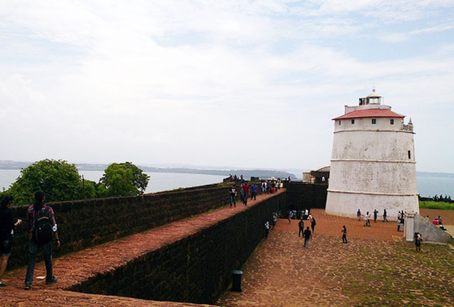 photo gallery of aguada fort goa