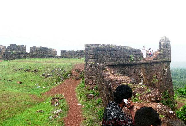 photo gallery of chapora fort goa