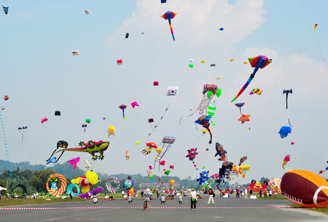 Photo Gallery Of Kite Festival In Jaipur Fairs And