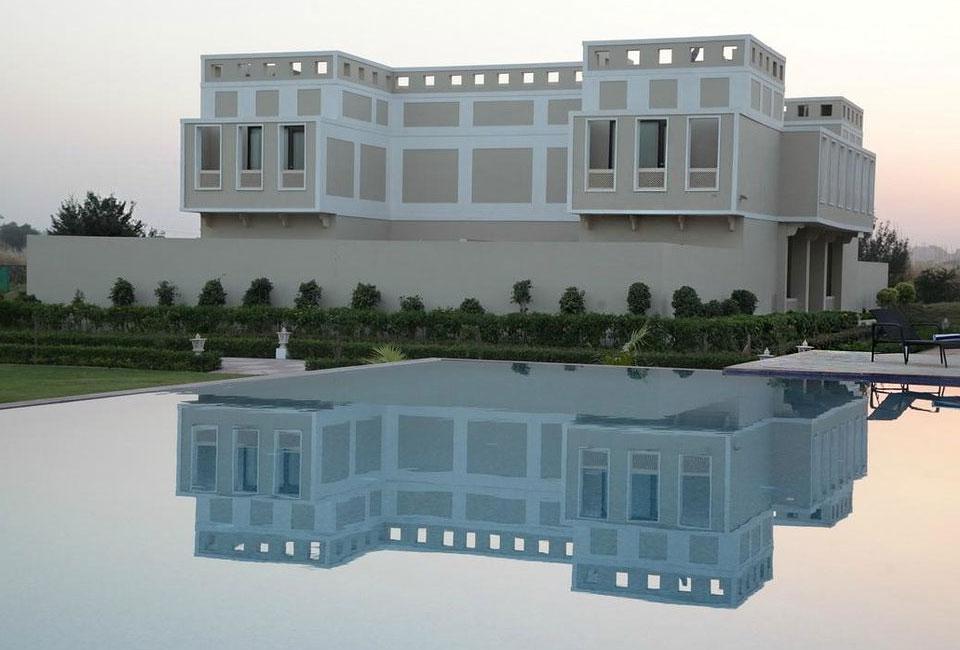 achrol-niwas-a-treehouse-hotel-front