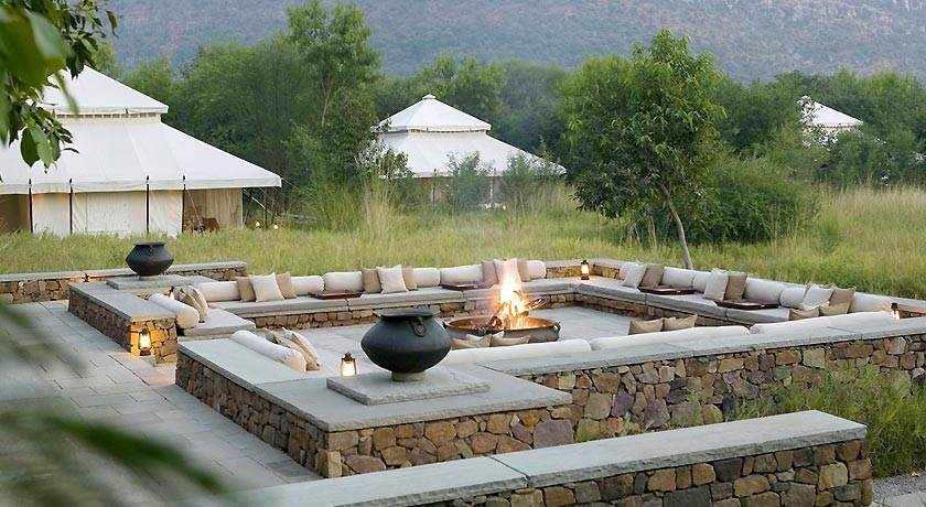 Outdoor-Fireplace-tent