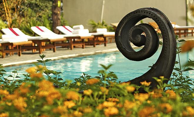 Swimming Pool2 in Ananda