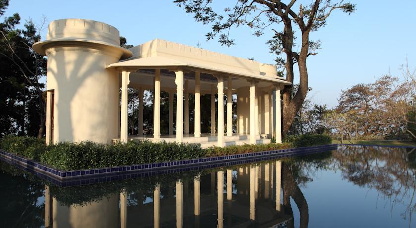 Resort in Ananda