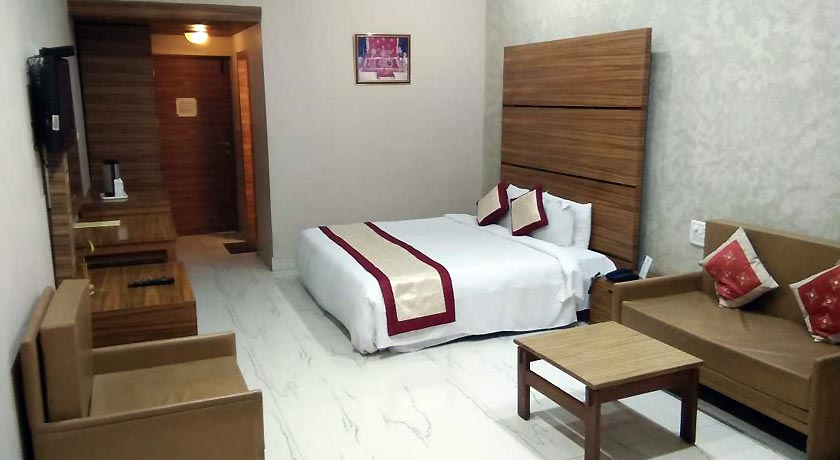 Royal Deluxe Rooms