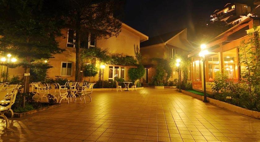 hotel-garden