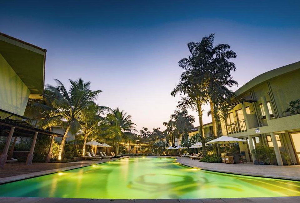 beleza-by-the-beach-resort-goa-swimm-pool