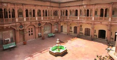 Bhanwar Niwas Palace