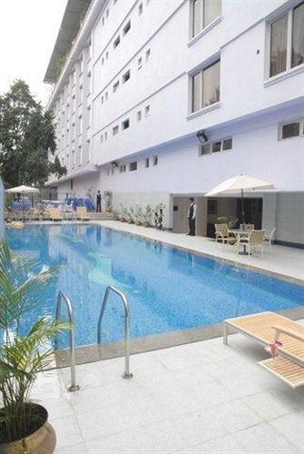 Swimming pool in Capitol Hotel