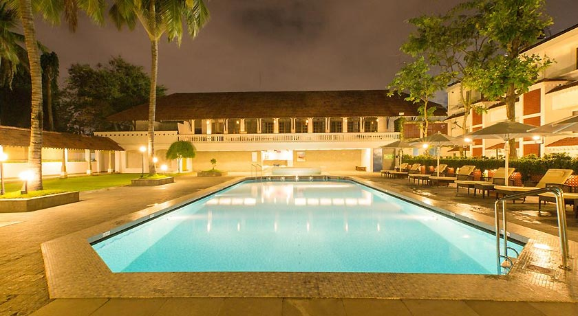 swimming-pool in Casino Hotel
