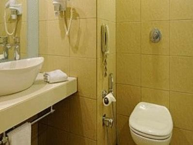 Bathroom in The Central Court Hotel