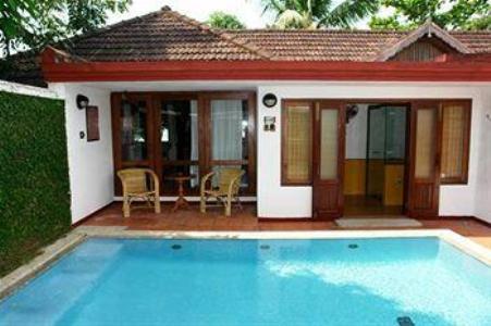 Swimming Pool2 in Coconut Lagoon In Kumarakom