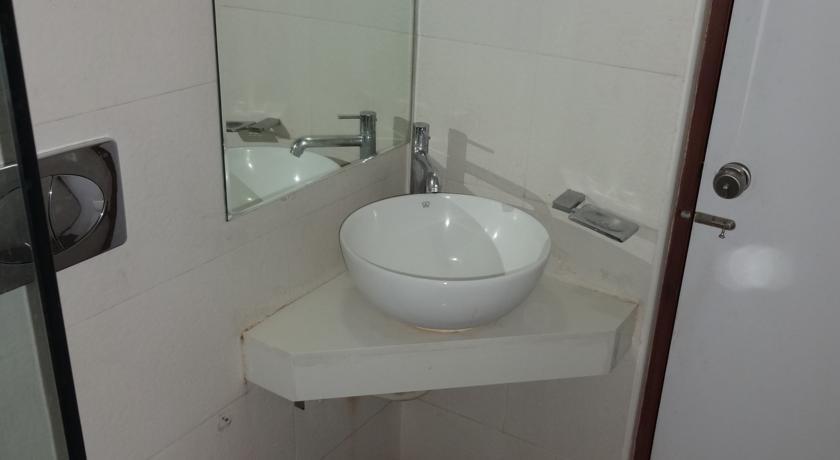 Bathroom in Continental Park Hotel Vijayawada