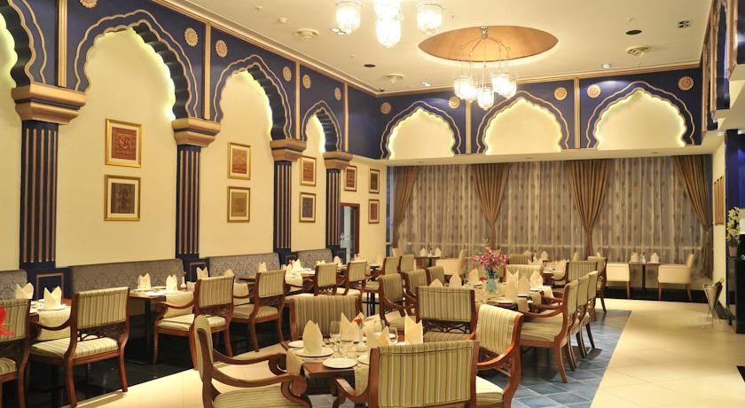 Dining4 Country Inn And Suites By Carlson Mysore
