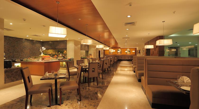 Dining in Country Inn And Suites By Carlson Mysore