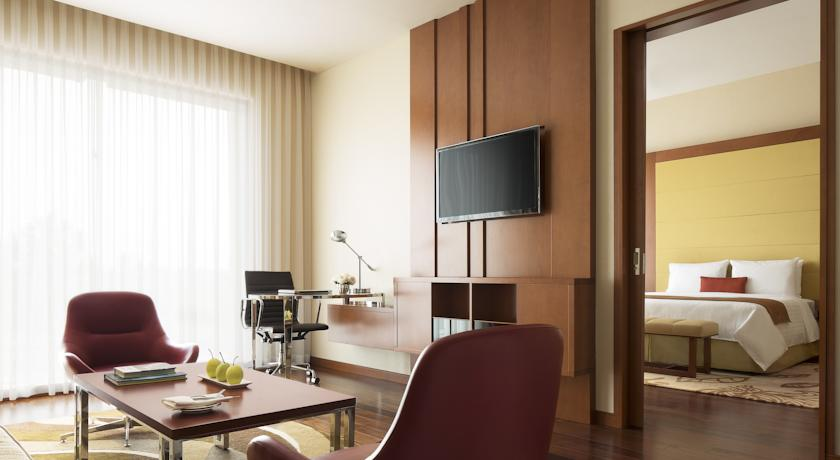 Suite Room in Courtyard By Marriot Kochi Airport