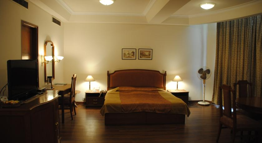Suite in Crystal Palace, Meerut