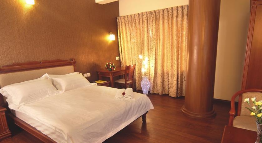 Suite in Deshadan Plaza Kochi