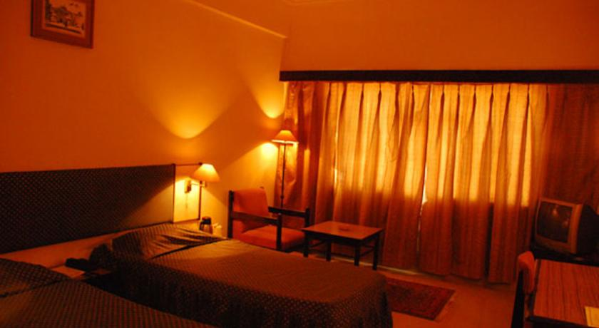 Suite Room in Diamond Hotel