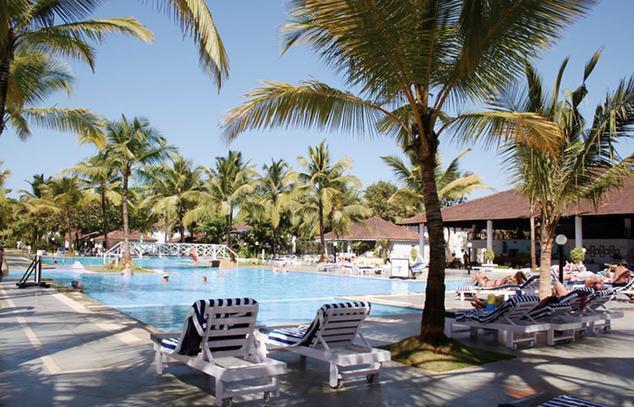 Swimming in Dona Sylvia Hotel