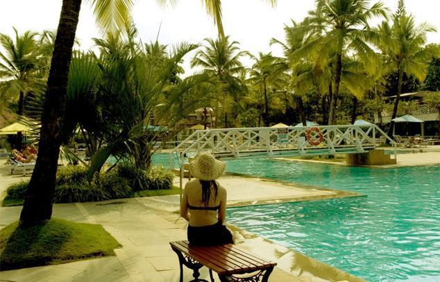 Swimming2 in Dona Sylvia Hotel