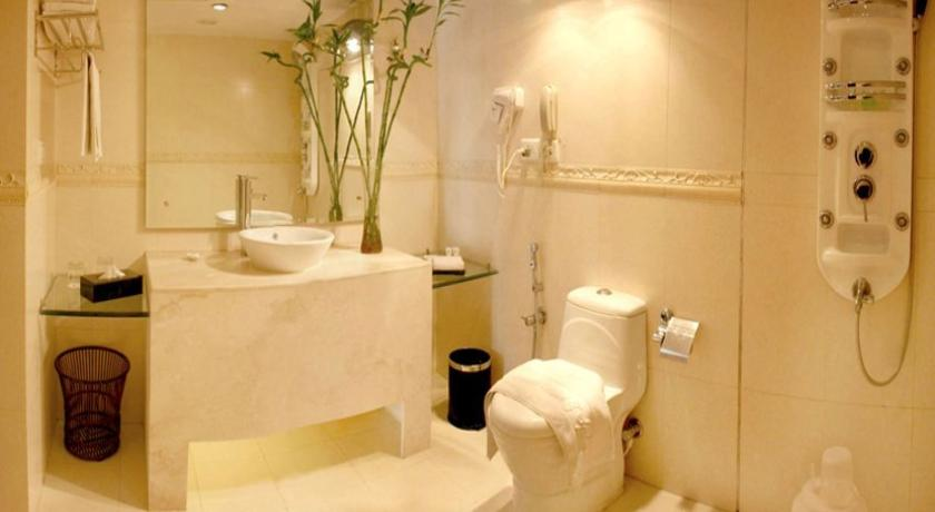 Bathroom in East Bourne Resort And Spa