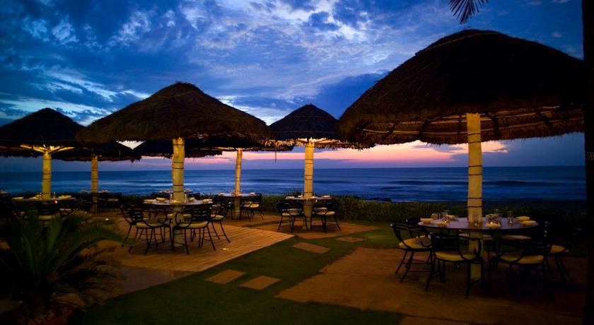 Beach Dining2 in Vivanta By Taj- Fisherman's Cove Resort