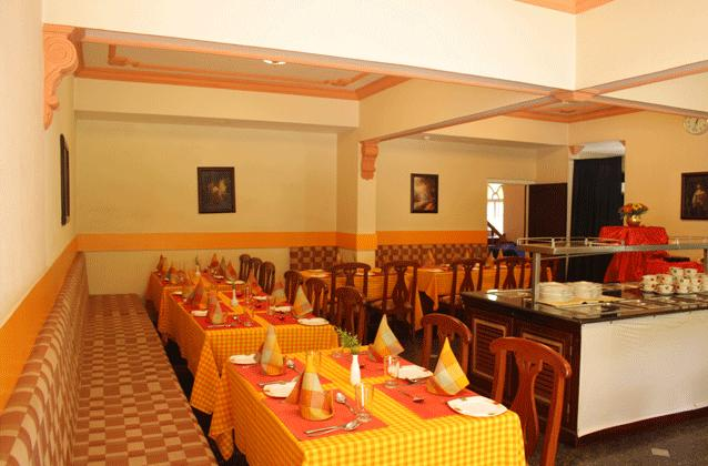 Dining in Hotel Fort Munnar