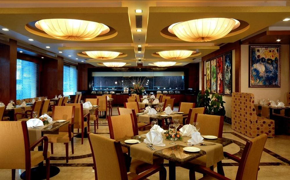 Dining in Fortune Select JP Cosmos, Bangalore
