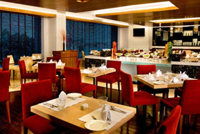 Dining in Four Points By Sheraton Jaipur