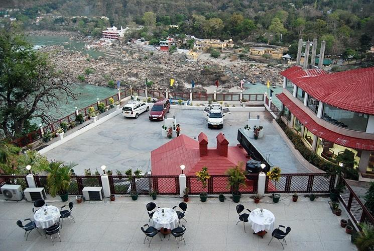 Parking & Resort in Hotel Ganga Beach Resort, Rishikesh