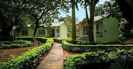 Garden in Glen View Hotel, Pachmarhi