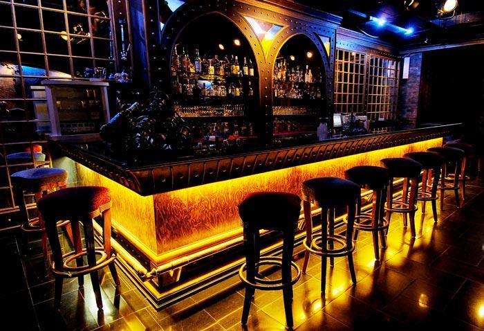 Bar-in-Golden-Palms-Resort-&-Spa