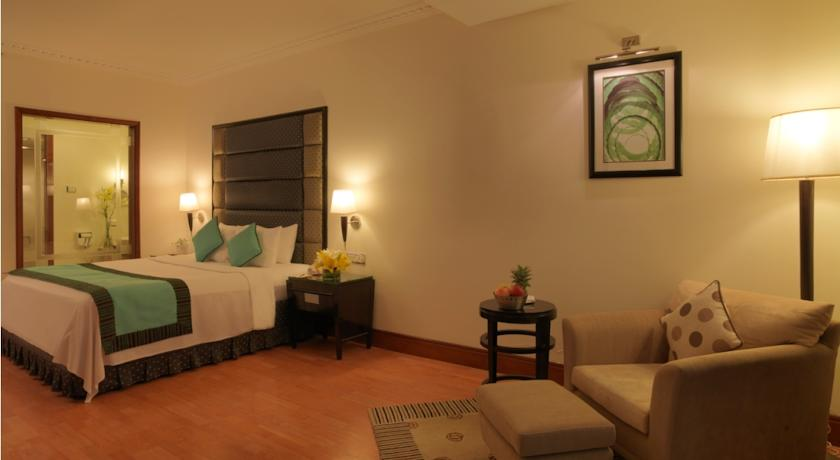 Deluxe in Hotel Goldfinch Hotel Bangalore