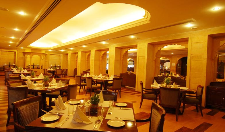 Dining in Gorbandh Palace