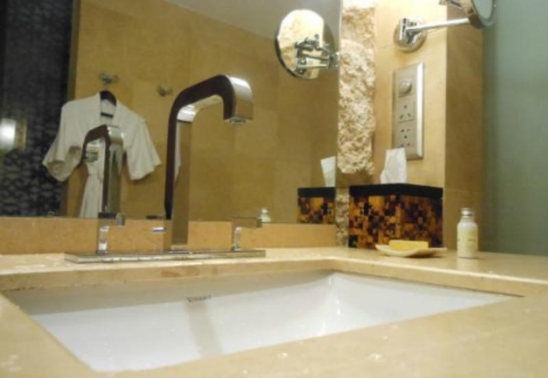 Bathroom in Hotel Grand Hyatt Goa