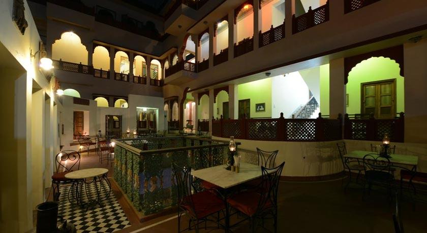 Dining-Hotel-Harasar-Haveli