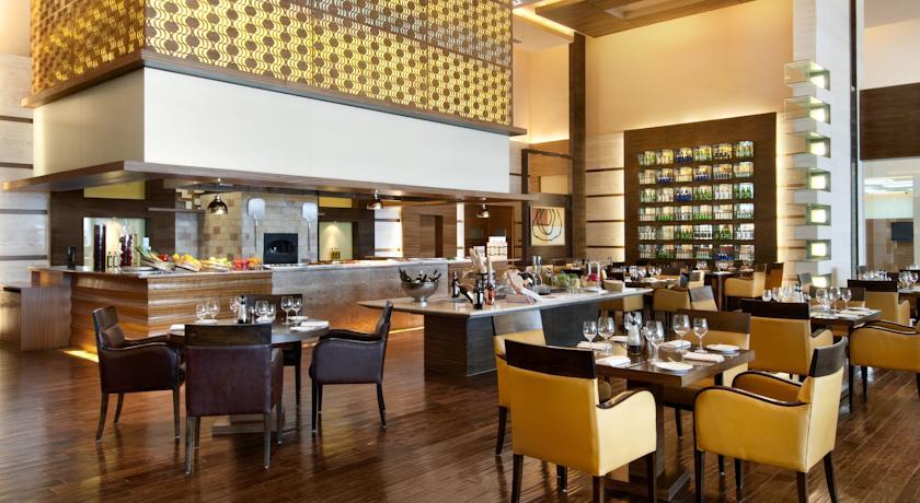Dining2 in Hotel Piccadily Janakpuri
