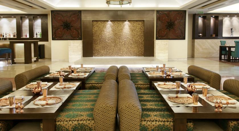 Dining3 in Hotel Piccadily Janakpuri