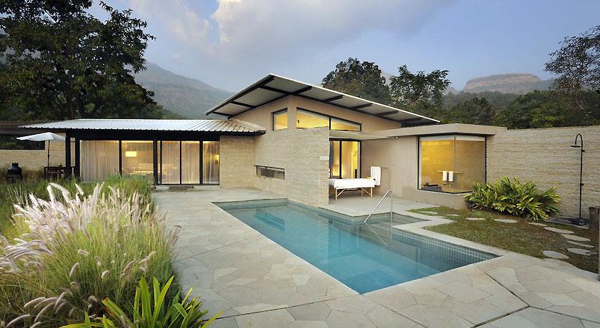 Pool in Hilton Shillim Estate Retreat & Spa Pune2