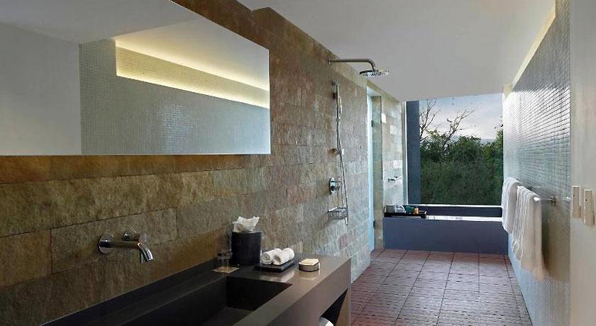 Bathroom in Hilton Shillim Estate Retreat & Spa Pune
