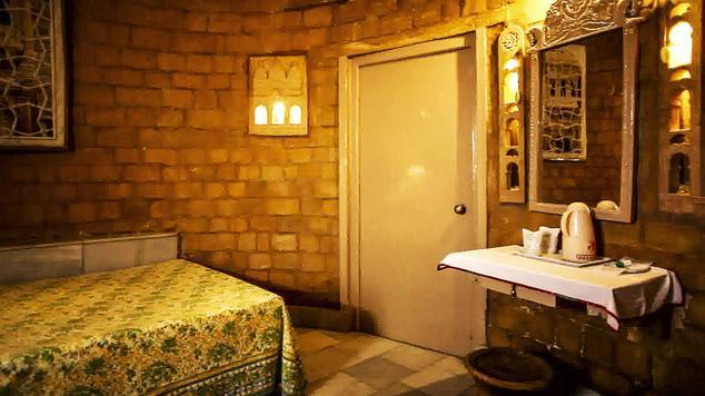 Standard single in Hotel Himmatgarh Palace
