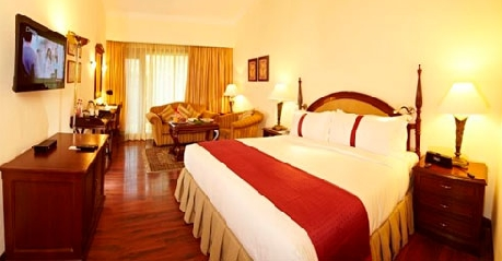 Super Deluxe Suites in Hotel Holiday Inn Manali
