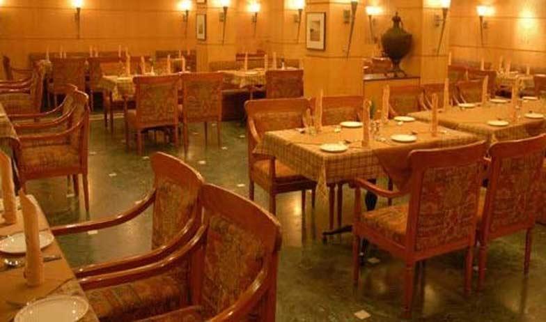 Dining in Hotel Alankar Grande