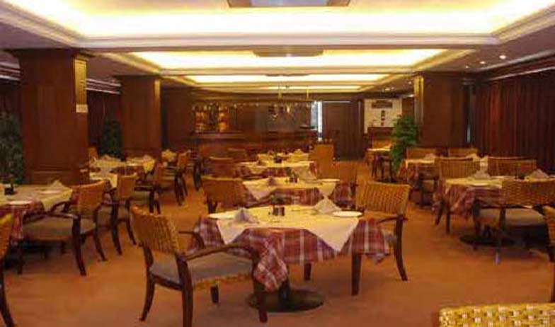 Dining3 in Hotel Alankar Grande